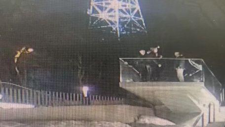 23-річний киянин розбив скляну огорожу Меморіалу Небесної Сотні у Львові
