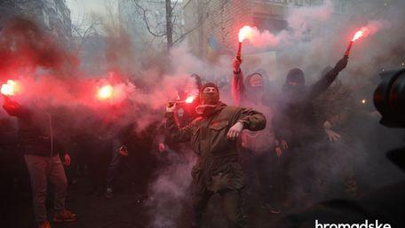 Тисячі людей вимагали у Києві звільнення Сергія Стерненка. Фото дня