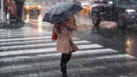 Синоптики прогнозують у Львові мокрий сніг та морози в найближчі дні