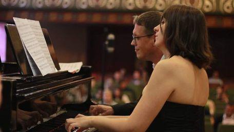 Чотири руки, два серця, один рояль