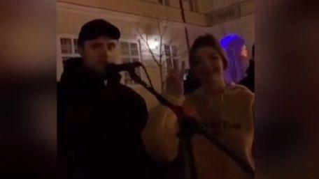 Вуличного музиканта побили у центрі Львова за російські пісні