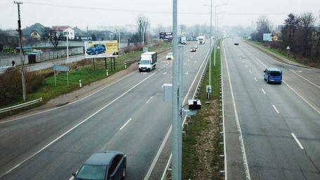 Ще 19 камер автофіксації порушень ПДР встановлять на трасах Львівщини
