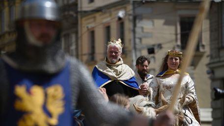 Святкування Дня міста під час карантину у Львові. Відео дня