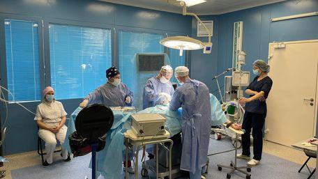 63-річному львів'янину через пухлину видалили сім органів і він вижив