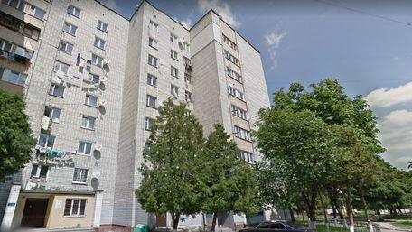 З вікна восьмого поверху у Львові випала дворічна дівчинка