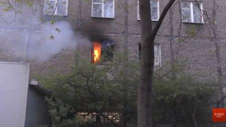 Пожежу в львівській багатоповерхівці міг спричинити вибух електросамоката