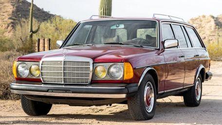 42-річний Mercedes-Benz з пробігом 1,2 млн км продають за ціною «Ланоса»
