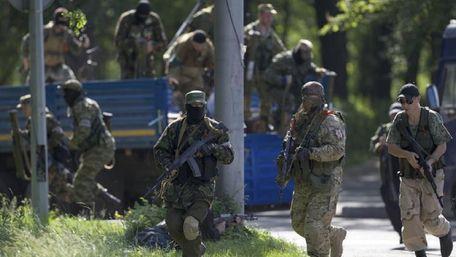 Через можливі «загрози з боку України» в ОРДЛО оголосили збори «резервістів»