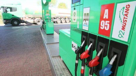 Мережі WOG та ОККО припинили продаж преміального пального