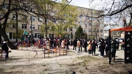В Україні позачергово вакцинували кілька тисяч громадян Китаю