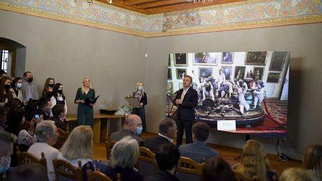 Колективи працівників музеїв Львова преміювали по 25 і 50 тис. грн