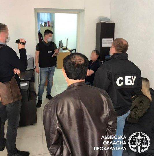 У Львові викрили фірму, яка масово підробляла тести на коронавірус, фото-1