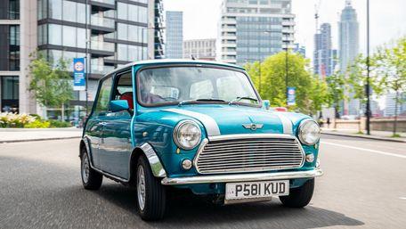 У Великій Британії класичні Mini почали обладнувати силовими агрегатами від Nissan Leaf