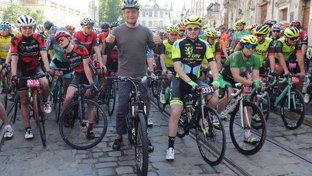 Близько тисячі велосипедистів взяли участь у наймасовіших змаганнях Західної України