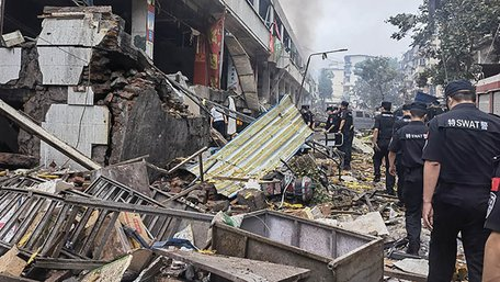 Щонайменше 12 людей загинули в результаті вибуху газу на ринку в Китаї