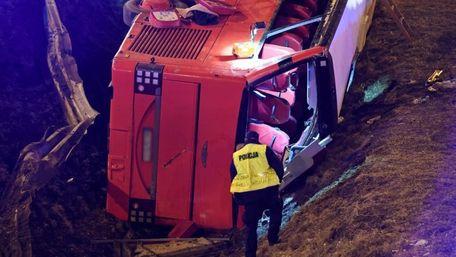 У Польщі ліквідують рів у місці, де розбились два українські автобуси
