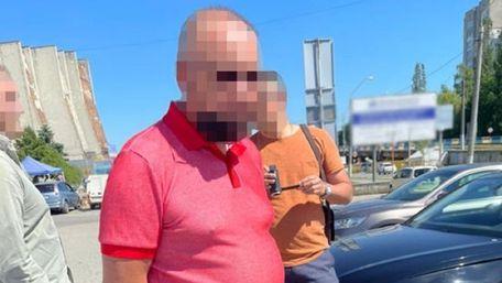 Під час обшуків у львівського податківця знайшли 100 тис. доларів
