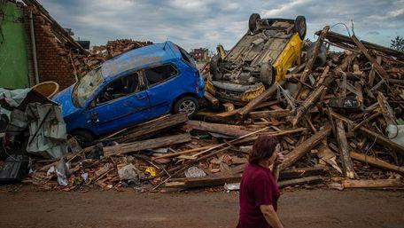 Через потужний торнадо у Чехії загинули щонайменше п'ятеро людей