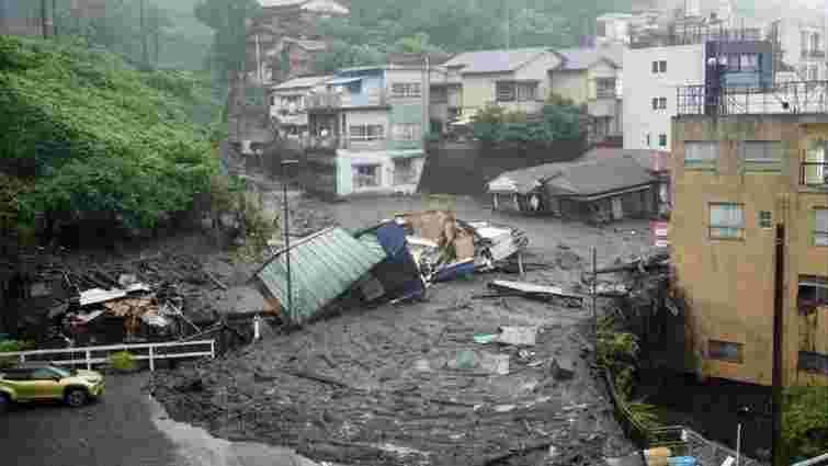 На сході Японії 20 людей зникли безвісти внаслідок сходження селевих потоків