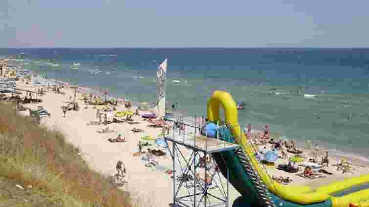 На пляжі у Запорізькій області працівника водних атракціонів вбило струмом