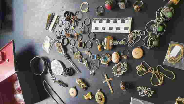 Львівські митники вилучили 4,5 тисячі предметів антикваріату