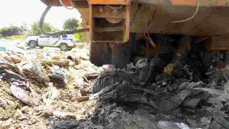 Внаслідок наїзду сміттєвоза на Закарпатті загинула 31-річна жінка