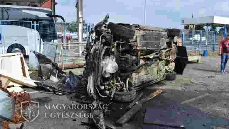 Під час втечі від угорських митників 37-річний українець перевернув авто на КПП