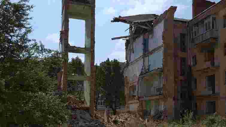У Дрогобичі обвалилась частина аварійної багатоповерхівки