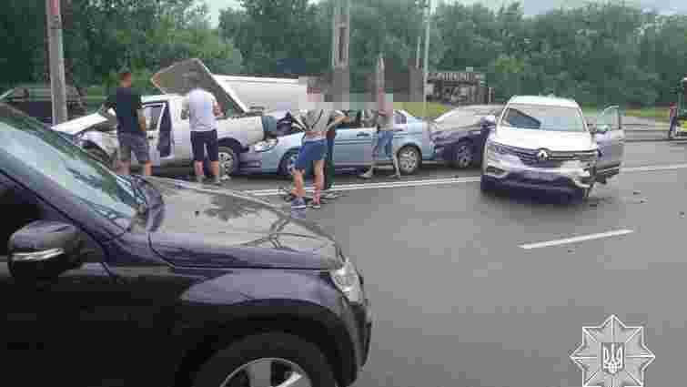 На перехресті вул. Стрийська – Наукова зіткнулося шість автомобілів