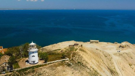 НБУ випустив монету з маяками Херсонщини та окупованого Криму