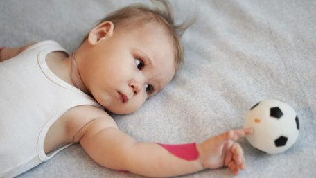 Ще троє українських дітей отримали найдорожчий у світі укол від СМА