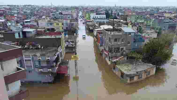 Руйнівна повінь затопила дві провінції на чорноморському узбережжі Туреччини