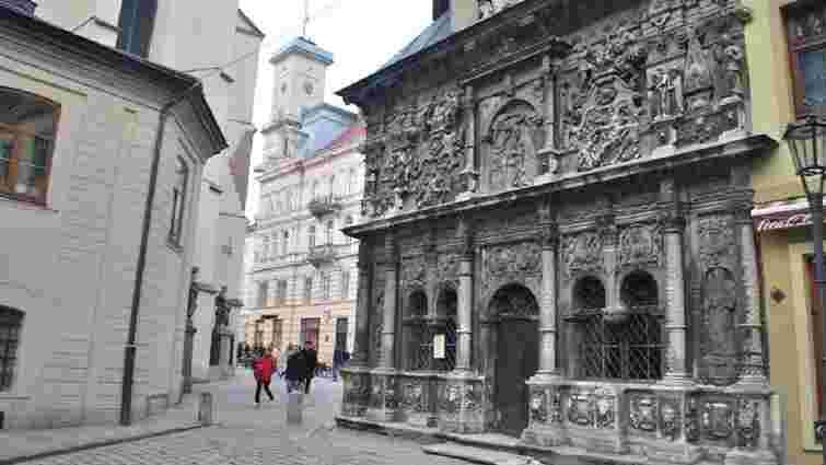 Невідомі пошкодили унікальну каплицю Боїмів у центрі Львова