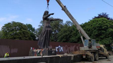 Монумент слави на Стрийській сьогодні остаточно розібрали