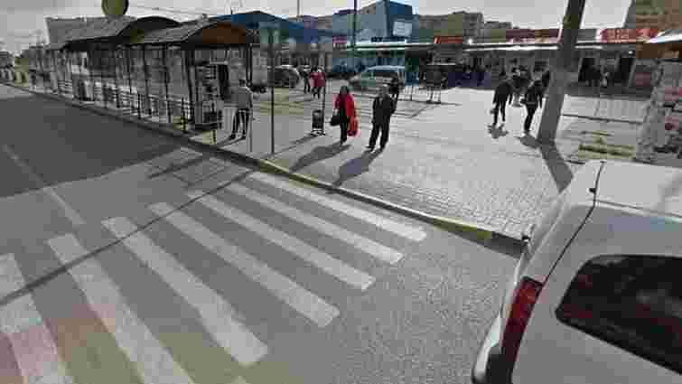Ford Transit на смерть збив пішохода біля львівського аквапарку