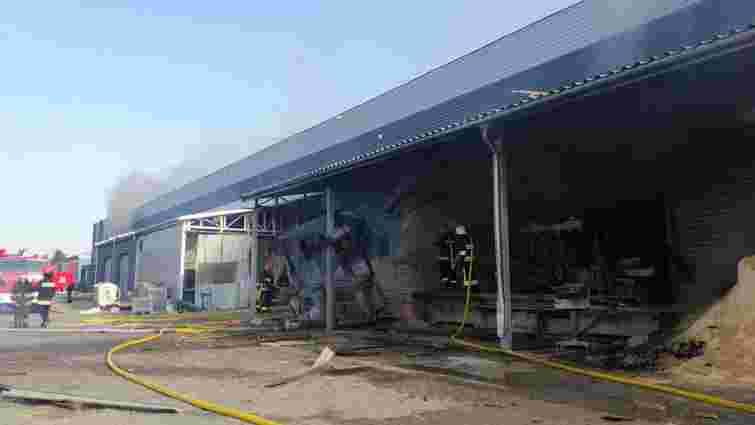 На деревообробному підприємстві у Рясному трапилась пожежа
