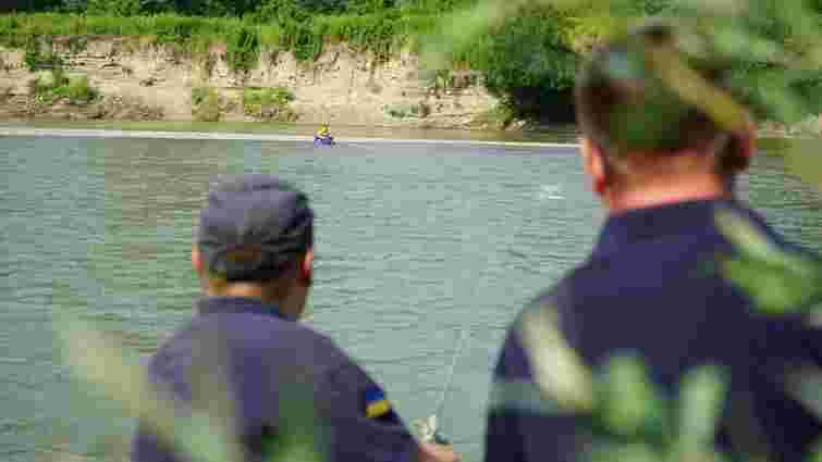 Під час купання на річці у Чернівцях 14-річний підліток потрапив у вир