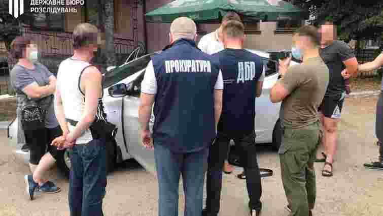 Львівського рибінспектора посадили під домашній арешт за хабар у 30 тис. грн