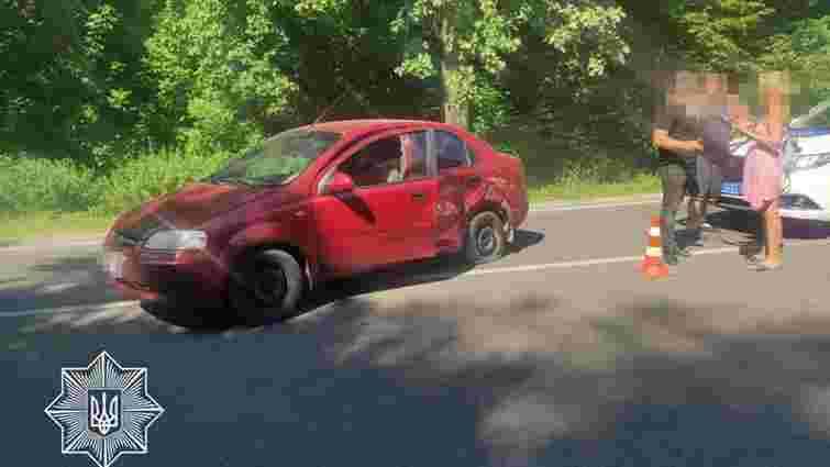 Нетверезий 52-річний водій вчинив ДТП біля Львова і втік