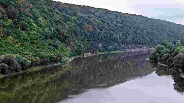 Мінекології виявило сліди препаратів від Covid-19 у головних річках України