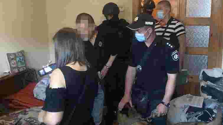 У Дрогобичі поліція затримала 47-річного розповсюджувача наркотиків
