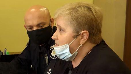 Суд покарав вчительку солонківської школи за погрози ножем учневі