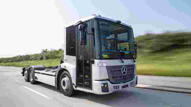 Mercedes-Benz готується до випуску електричних вантажівок
