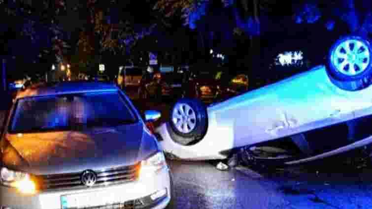 П'яний 36-річний львів'янин на Opel Astra вчинив потрійну ДТП і перекинувся на дах
