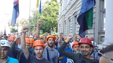 Шахтарі пікетують Львівську ОДА, вимагаючи зарплату