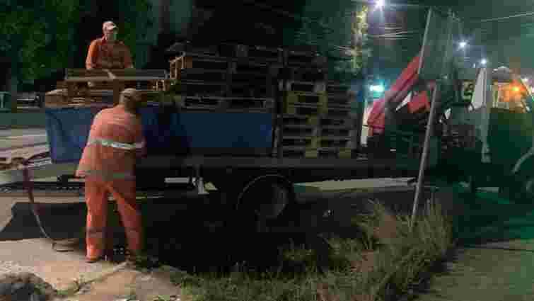 У Чернівцях почали демонтаж нелегальних торгових точок