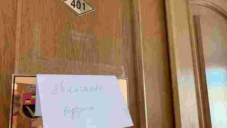 Детективи НАБУ провели обшуки у Червоноградській міській раді