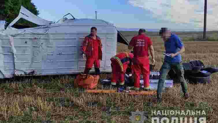На Волині 31-річний водій заснув за кермом мікроавтобуса і спричинив ДТП