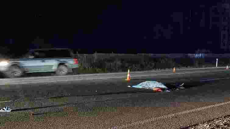 Біля «Арени Львів» автомобіль на смерть збив пішохода