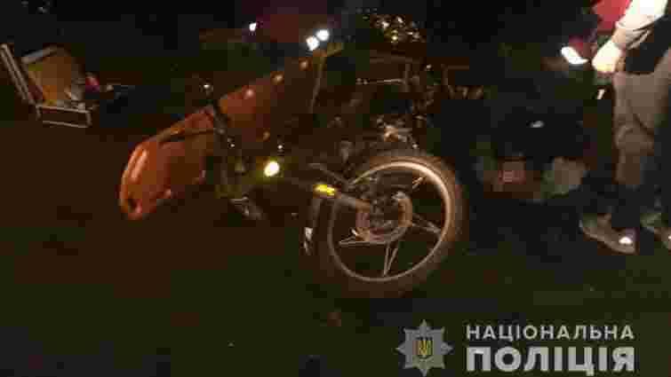 Троє школярів на мотоциклі вчинили ДТП із автомобілем на Волині